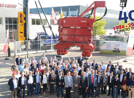 Dutch firms merge to form leading worldwide piling